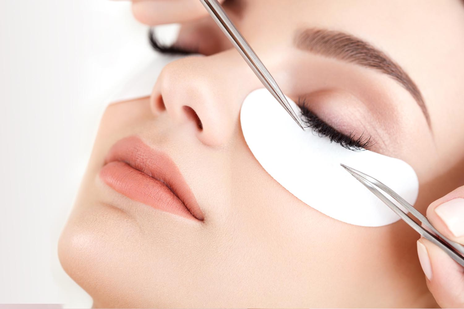30 Tips To Become Lash Technician Howto